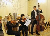 Trio Brindisi w nowym składzie: Sylwia - skrzypce, Magda - altówka, Krzysiek - kontrabas